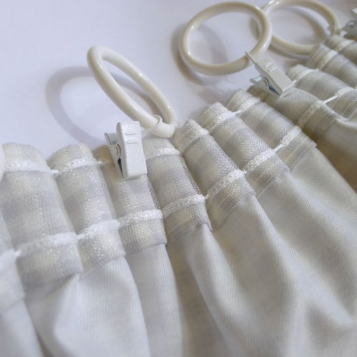 gardinen deko gardinen raffen mit kr uselband gardinen. Black Bedroom Furniture Sets. Home Design Ideas